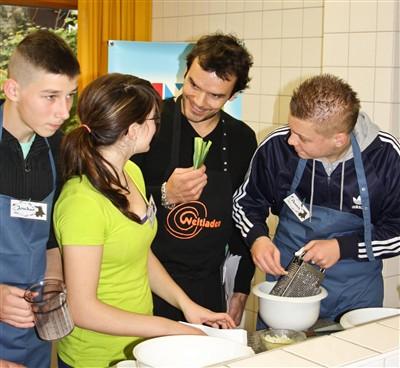 Steffen Henssler beim Fairen Kochduell