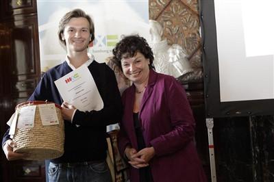 Alexander Seidel und die Zweite Hamburger Bürgermeisterin Christa Goetsch