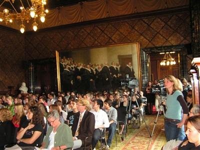 Wettbewerbsteilnehmer im Bürgermeistersaal